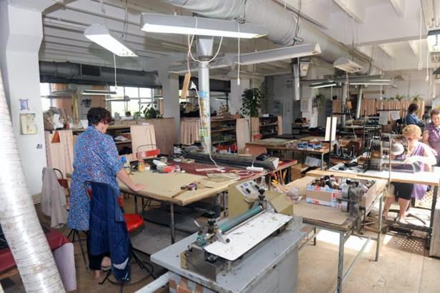4c5036af54dac3 Zapraszamy do współpracy: projektantów i kreatorów mody, sieci handlowe,  hurtownie galanterii skórzanej, sprzedawców detalicznych, producentów  obuwia i ...